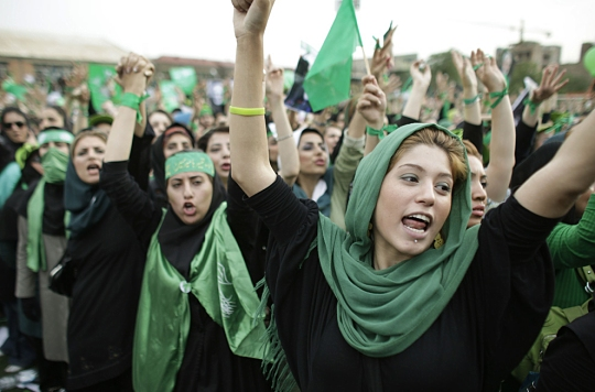 Change Iran, Go Green - La repressione prosegue, la protesta pure e Obama tace
