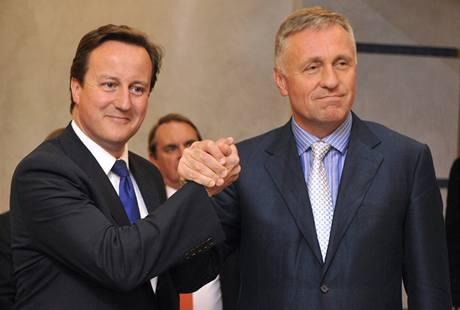 A destra (?) del PPE, gli eurorealisti di Cameron e Topolanek