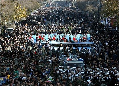 In Iran tutto è possibile. La 'fase due' della protesta scappa di mano al regime di Teheran