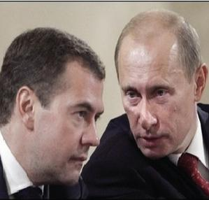 Medvedev e Putin, good cop/bad cop