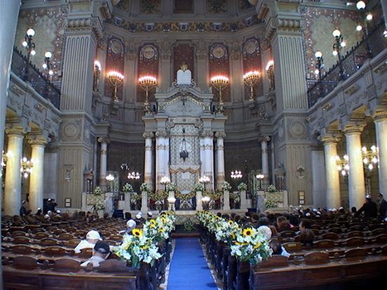Benedetto XVI alla Sinagoga di Roma. Comunque una buona notizia