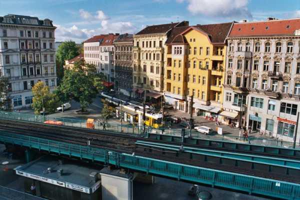 Una Berlino a misura di bambino: come la Germania esorcizza la paura del futuro