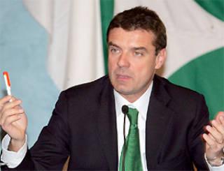 """Com'è nuovo Cota, batte cassa alle fondazioni bancarie per fare la """"squadra Piemonte"""""""