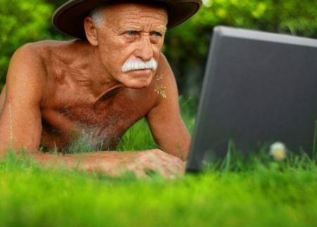 Lavorare oltre i 65 anni: la proposta Cazzola per renderlo finalmente vantaggioso (anche per l'Inps)