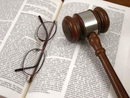 Punire le imprese che commettono reati senza distruggerle, la proposta di legge Della Vedova