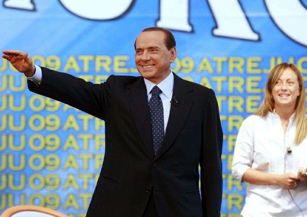 Dalla Russia ad Atreju: l'anticomunismo neo-tolemaico e filo-autoritario del Silvio globale