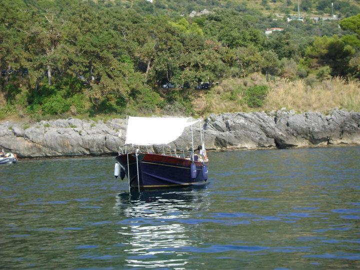 La barca è piccola, la gente mormora