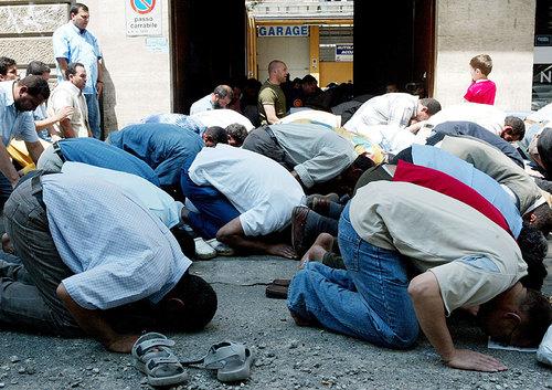La moschea di Milano, tutto è possibile nel paese delle religioni di Stato