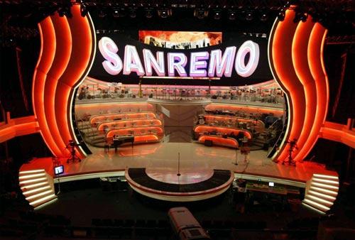 Paghiamo il canone Rai per vedere La Russa e Ferrero litigare su 'Bella Ciao' e 'Giovinezza' a Sanremo