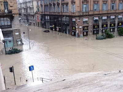 A Genova annega l'Italia delle parole magiche e dell'irresponsabilità